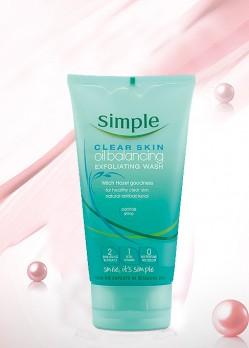 Sữa Rửa Mặt Simple Clear Skin Oil Balancing Exfoliating Wash